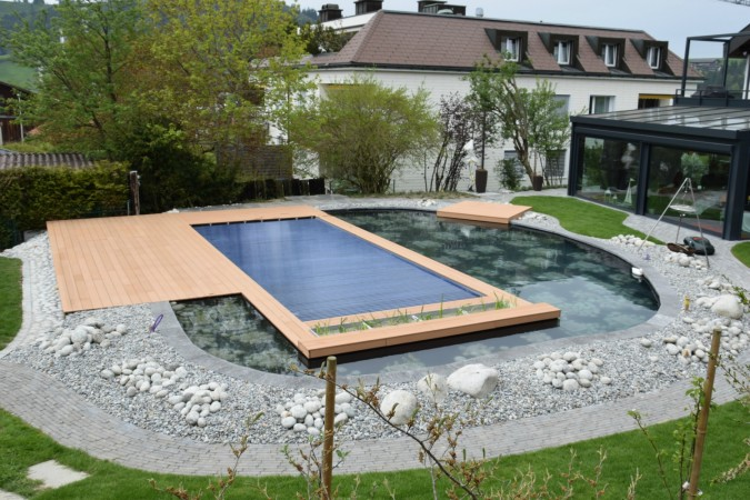 kologisch korrekter badespass im naturpool. Black Bedroom Furniture Sets. Home Design Ideas